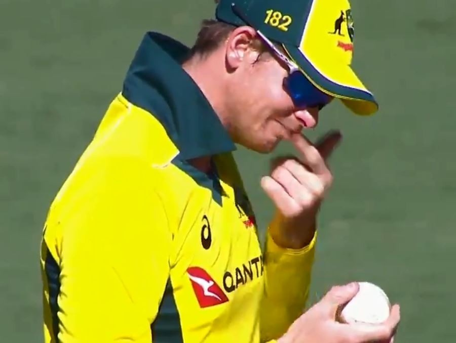 Smith denies ball-tampering chants